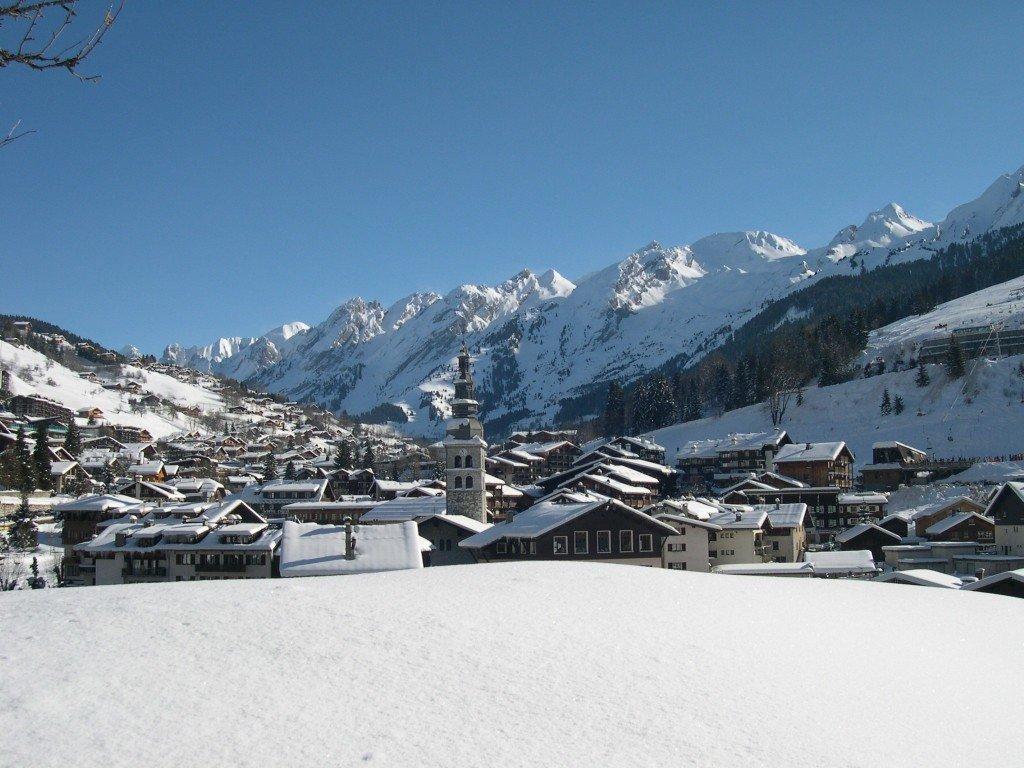 Miasto pod Alpami