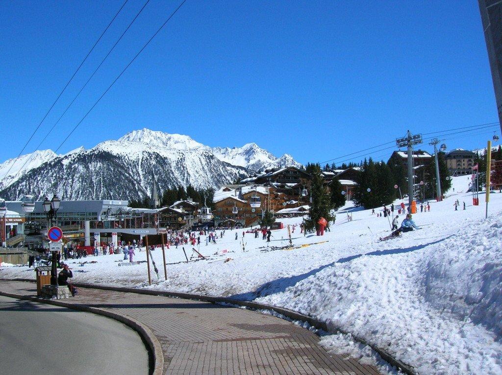 Wyciąg narciarski w Alpach we Francji