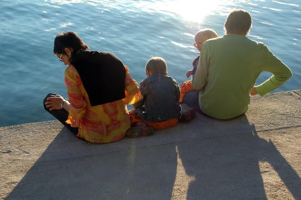 Wakacje z dzieckiem - jak dbać o bezpieczeństwo maluchów?