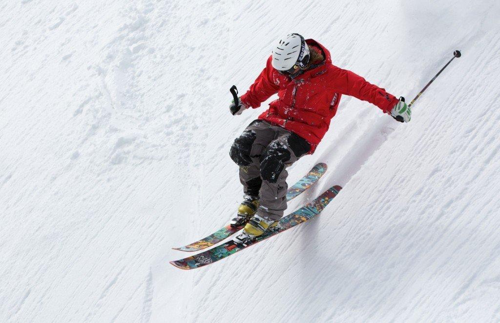 Jazda poza stokiem narciarskim  - na co uważać?