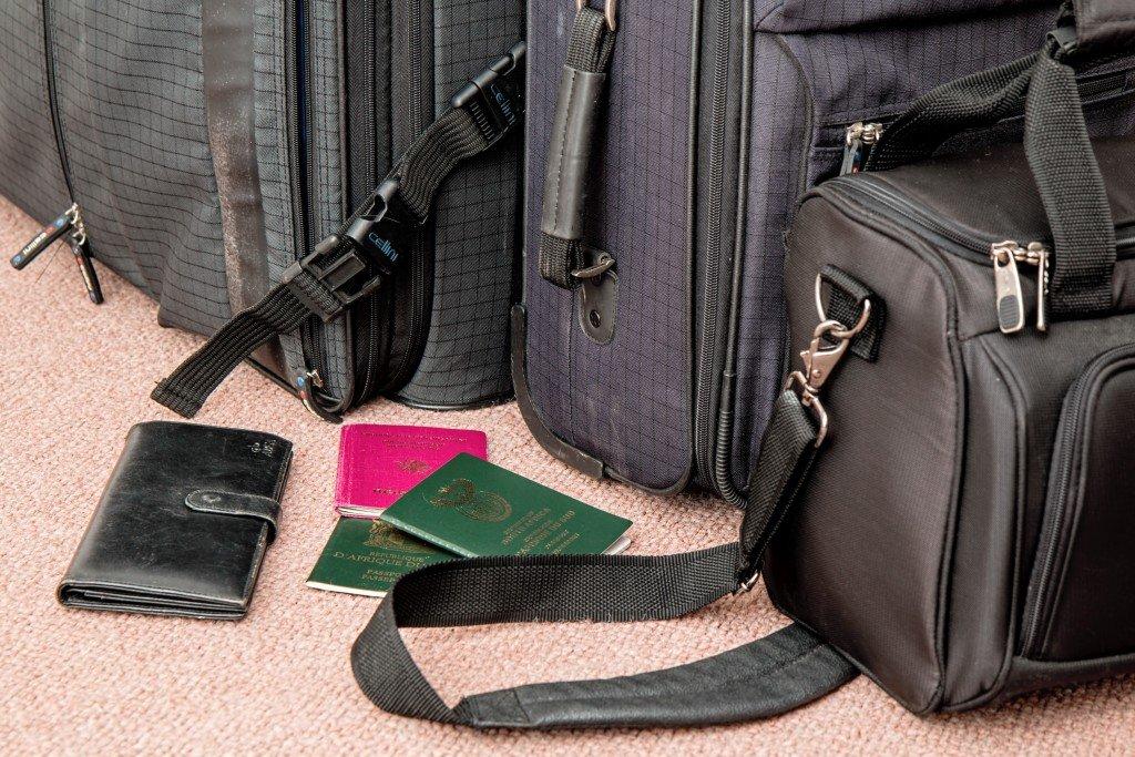 Co zabrać na wakacje w bagażu i jak się chronić przed jego kradzieżą?