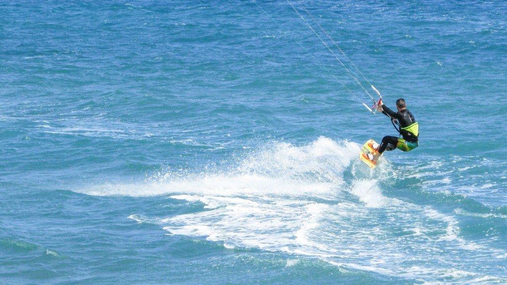 Surfujesz? Znajdź najlepsze ubezpieczenie dla aktywnych!