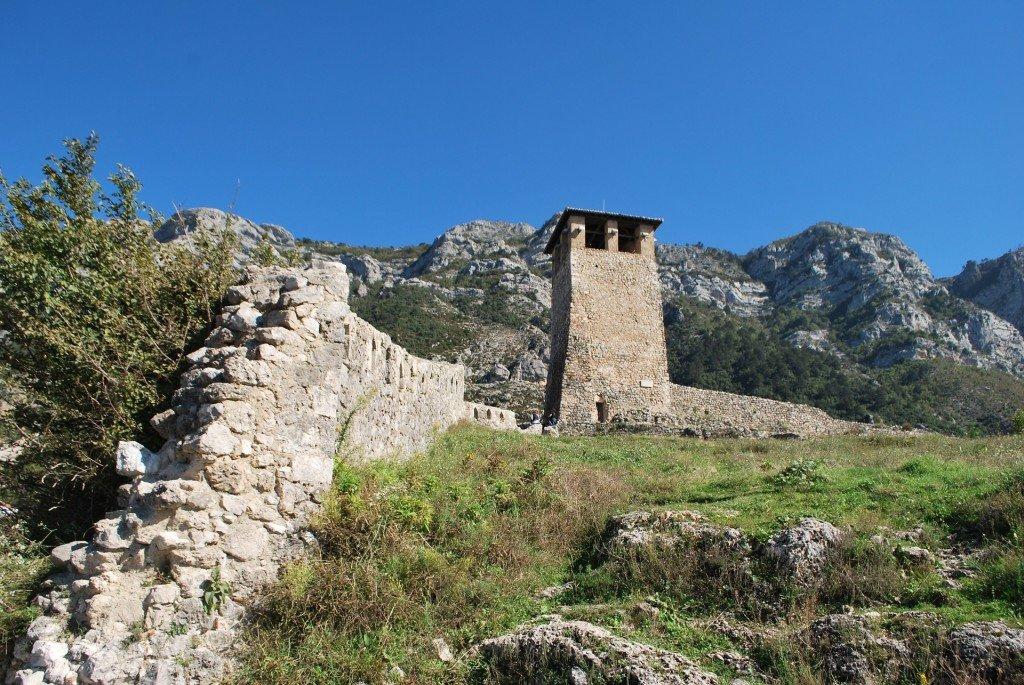 Gdzie kupić tanie ubezpieczenie turystyczne do Albanii? Sprawdzamy oferty