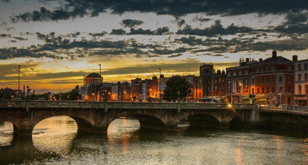 Ile kosztuje ubezpieczenie turystyczne do Irlandii? Sprawdzamy ceny