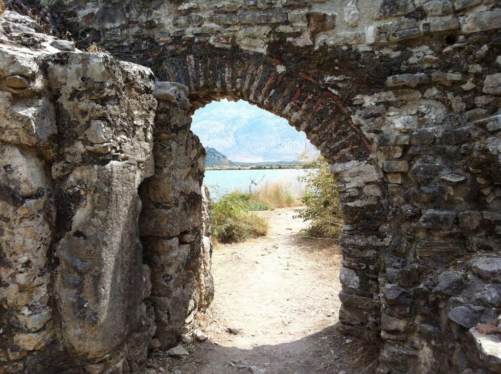 Zabierz ubezpieczenie turystyczne do Albanii i podróżuj bezpiecznie