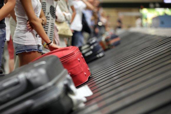 bagaże na terminalu lotniczym