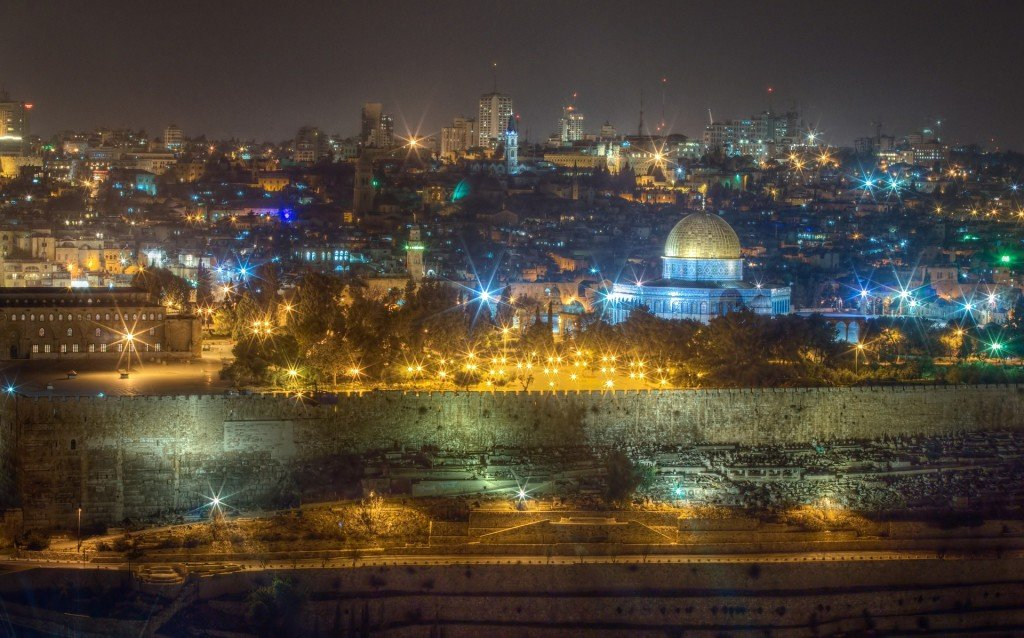Podróż po Ziemi Obiecanej a ubezpieczenie turystyczne do Izraela