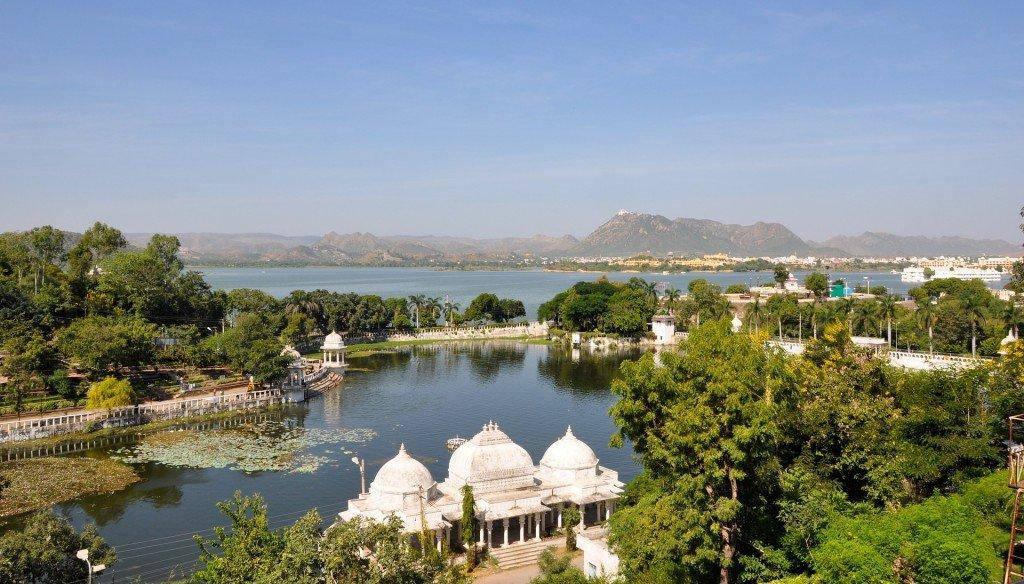 Podróż po nadzorem i ubezpieczenie turystyczne do Indii w pakiecie