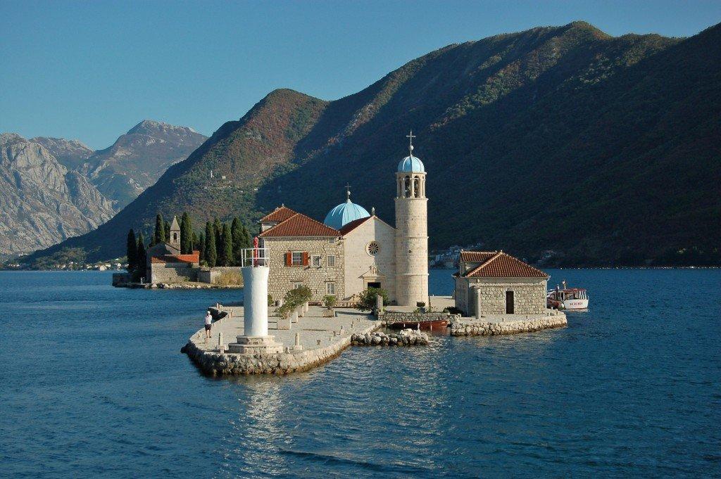 Ubezpieczenie turystyczne do Czarnogóry - jak je wybrać?
