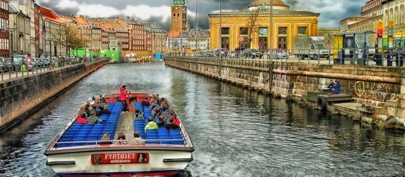 Jak wybrać ubezpieczenie turystyczne do Danii?