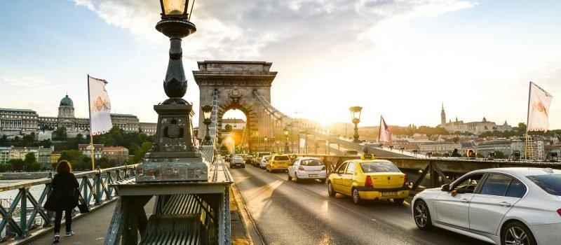 Jak wybrać ubezpieczenie turystyczne na Węgry?