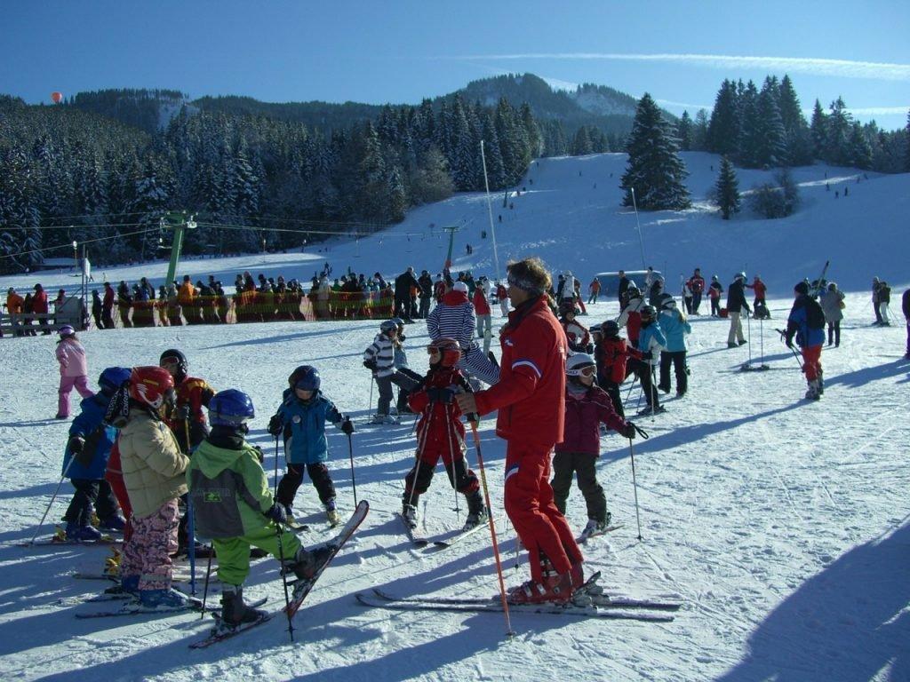 wybieramy najlepsze ubezpieczenie na narty dla dziecka