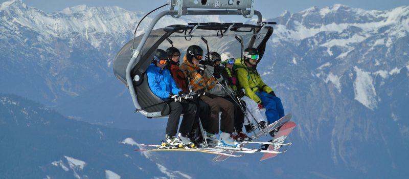 Jednodniowe wycieczki na narty - jak wybrać polisę?