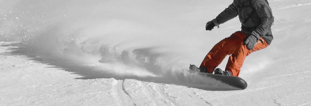 Jak wybrać ubezpieczenie na snowboard?