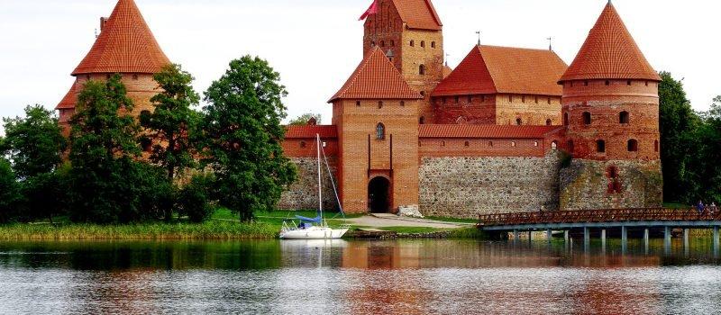 Jak wybrać ubezpieczenie turystyczne na Litwę?