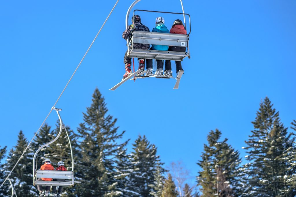 Jak wybrać ubezpieczenie na narty?